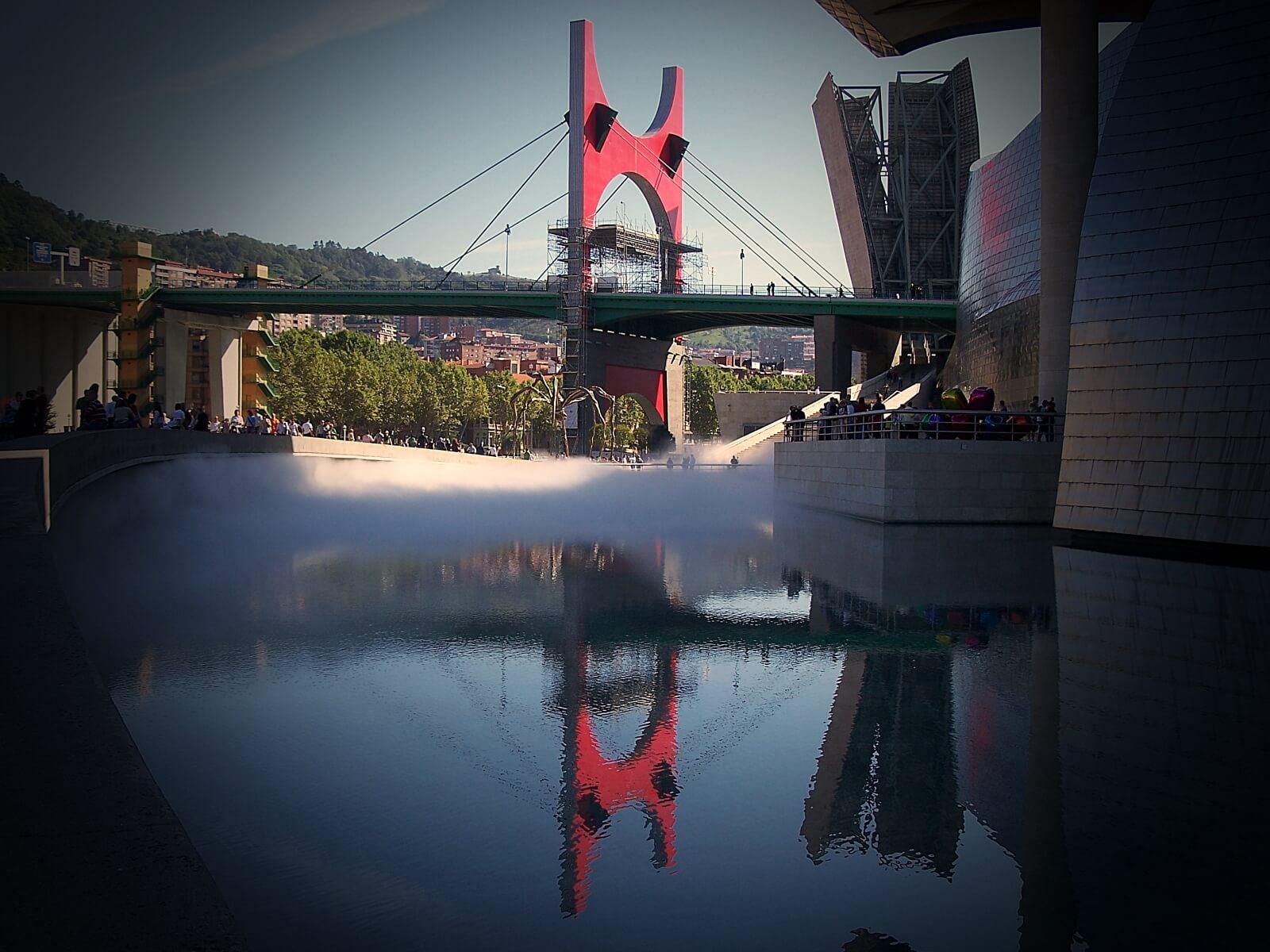Nowoczesne, hiszpańskie miasto Bilbao.