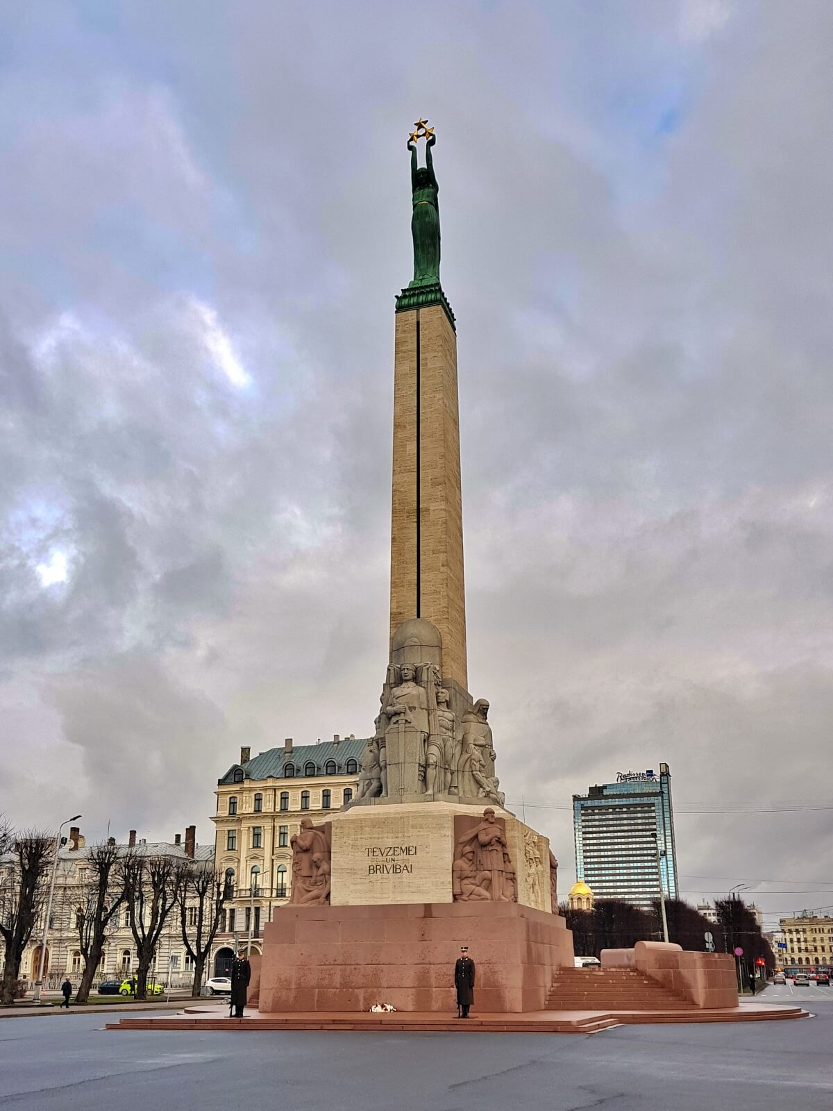 Pomnik niepodległości w Rydze.