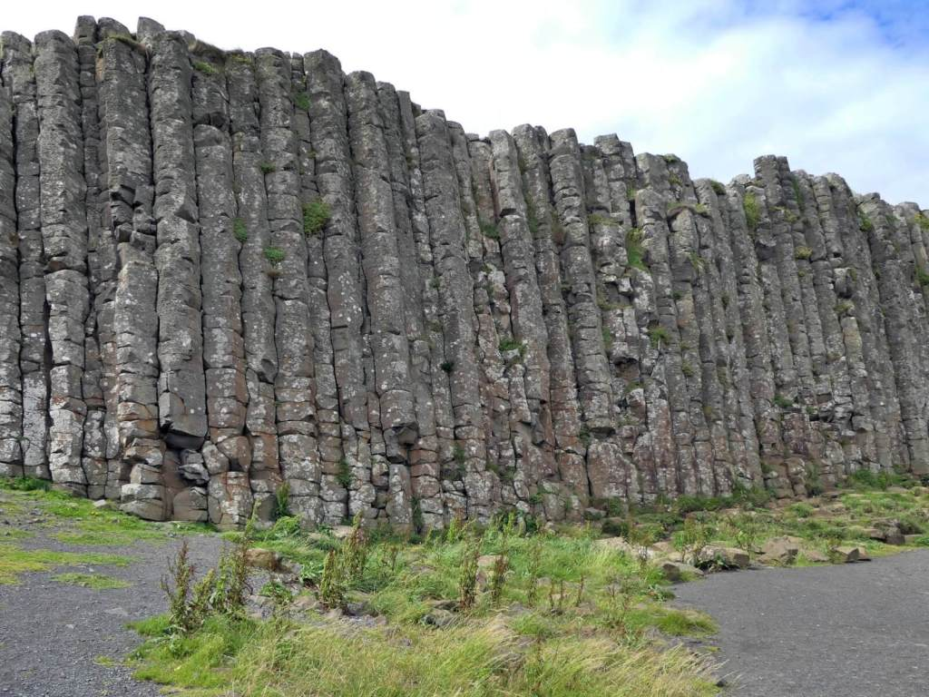 Kolumny bazaltowe. Grobla Olbrzyma.