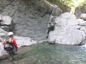 スタンスがなく岩が濡れたら厳しい