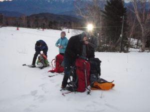 薄っすらと明るくなったスキー場