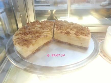 Caramel Walnut Cheese Cake
