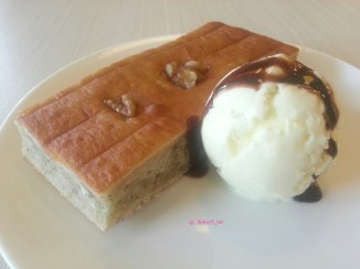 Banana Cake with Ice Cream
