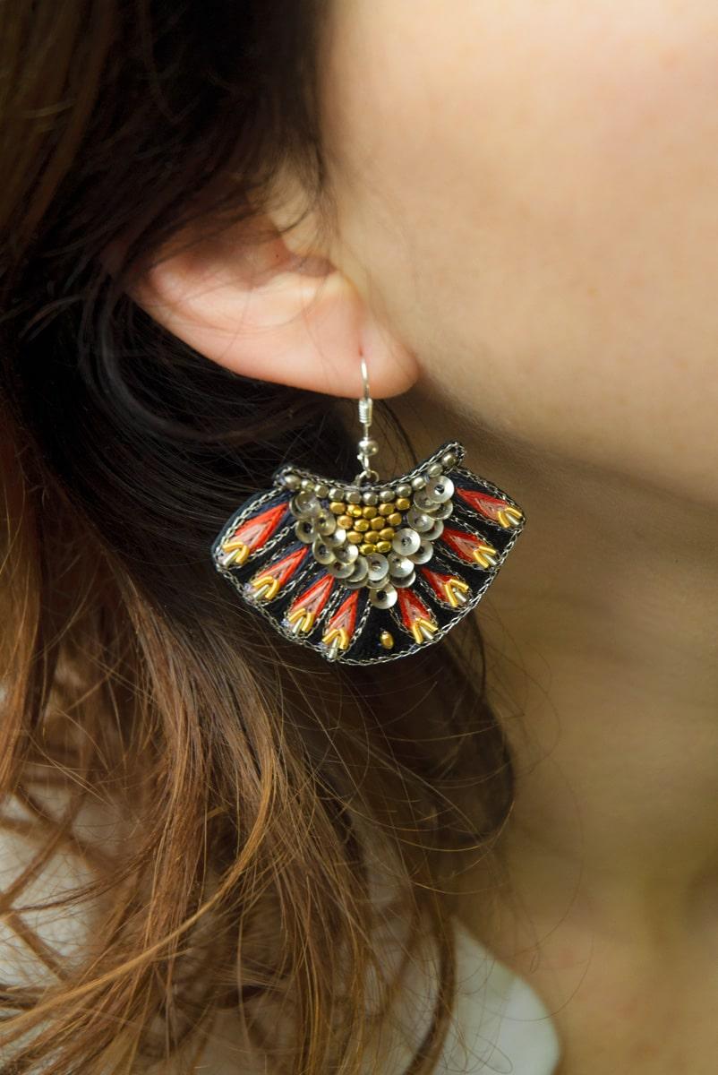 Boucles d'oreilles ethniques Nidhi | Corail | Photo 1