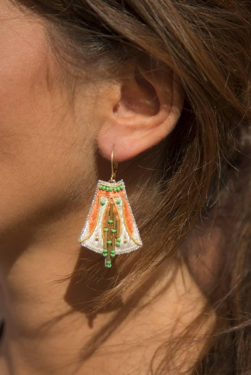 Boucles d'oreilles ethniques Apo | Apricot/Cream | Photo 1