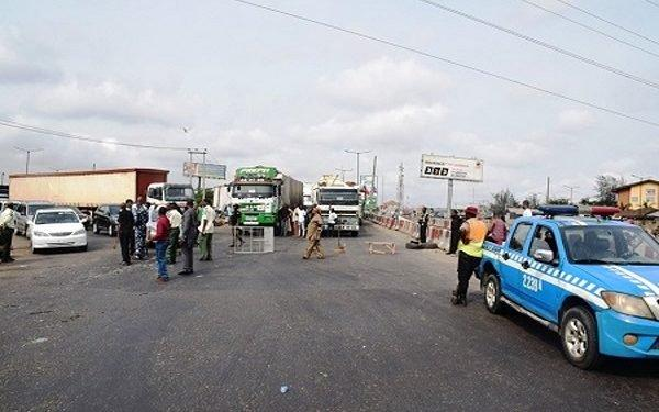 turn back Kaduna Osun passenger buses