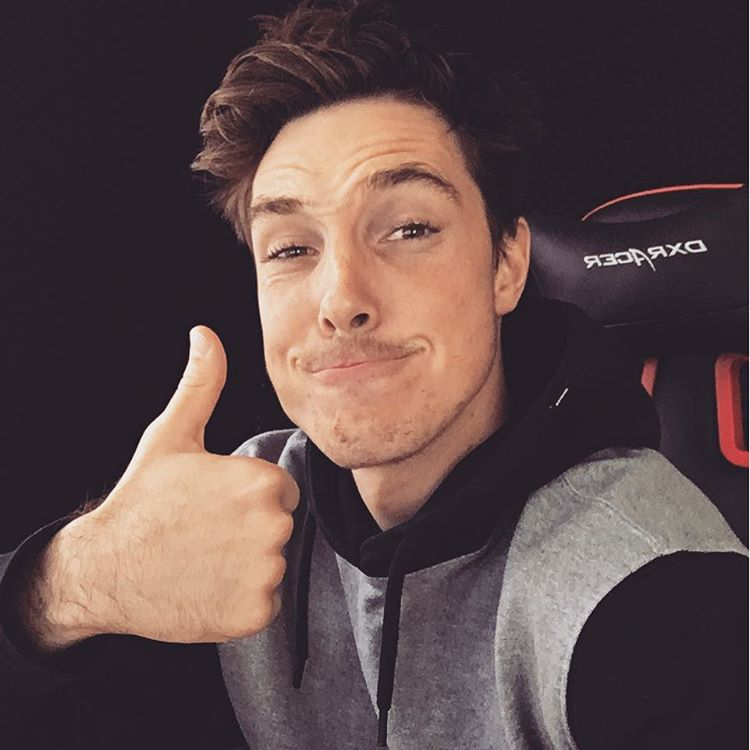 How Much Money Lazarbeam Makes On Youtube  Net Worth