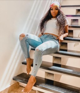 Toke Makinwa Biography & Net Worth