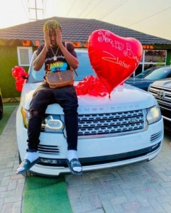 Indigenous rapper, Zlatan Ibile is closing the year with a multi-million naira SUV which he acquired brand new.