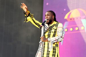 Rave-making Nigerian singer, Burna Boy has been honored by the renowned New York Times magazine. Afro-fusion star, Burna Boy has made it to New York Times' 'The 54 Best Songs of 2019' for his song 'Anybody.' Burna Boy's Anybody was on number three on the list of 54 while the first two are Lizzo for the song 'Cuz I Love You' and FKA twigs for 'Cellophane.'