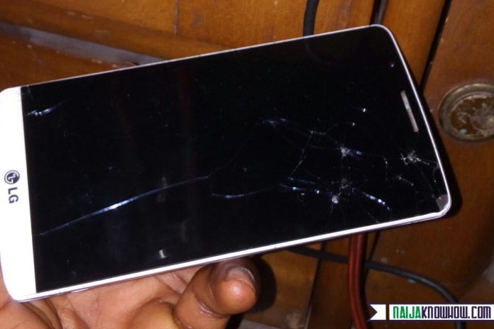 Prevent cracks on smartphone screen