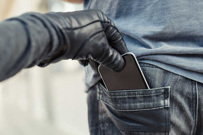 smartphone thief