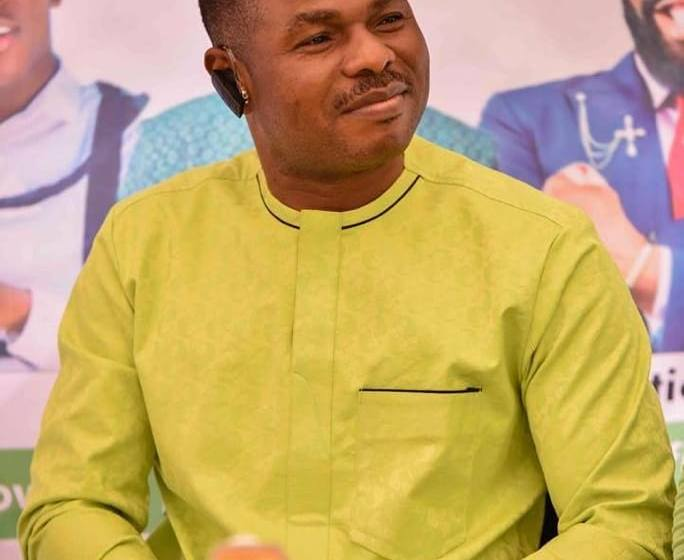 BREAKING: Yinka Ayefele finally confirms wife's delivery of triplets in US.