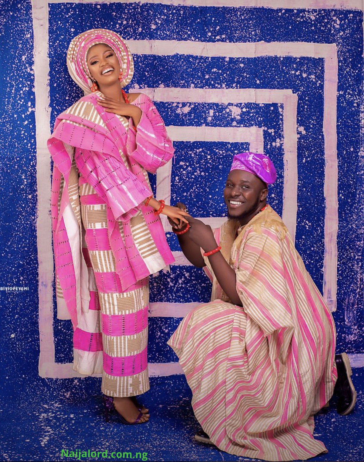 Yoruba Indigenous chanter,Akewi Agbaye fakes Marriage on Social media (Photos)