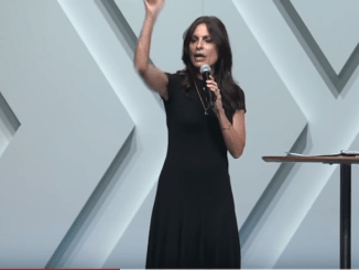 Lisa Bevere Sermon - Discover Who You Are in the Presence of God
