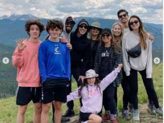 Joel Osteen And His Family Hangs Out With Steven Furtick & His Family