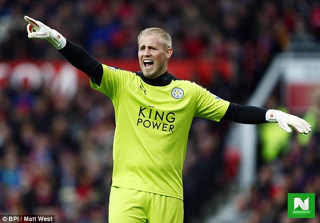 Chelsea target Leicester City goalkeeper Schmeichel