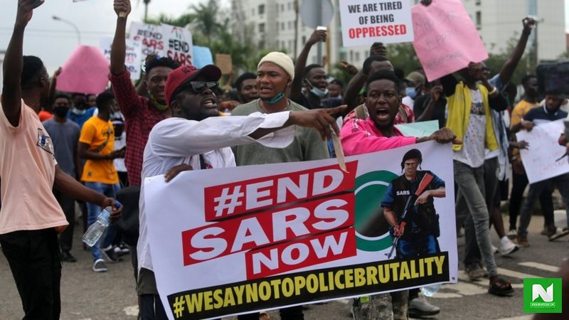 EndSARS: The Moment Governor Sanwo-Olu Was Booed At Lekki Toll-Gate (Video)