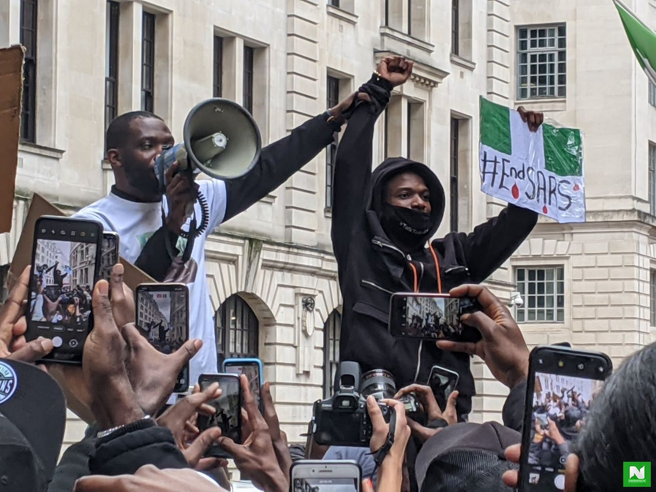 Watch Wizkid's Grand Arrival To #EndSARS Protest In London (VIDEO)