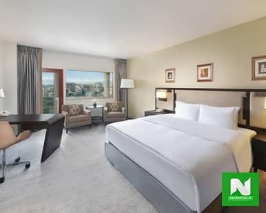 King Business Suite Bedroom