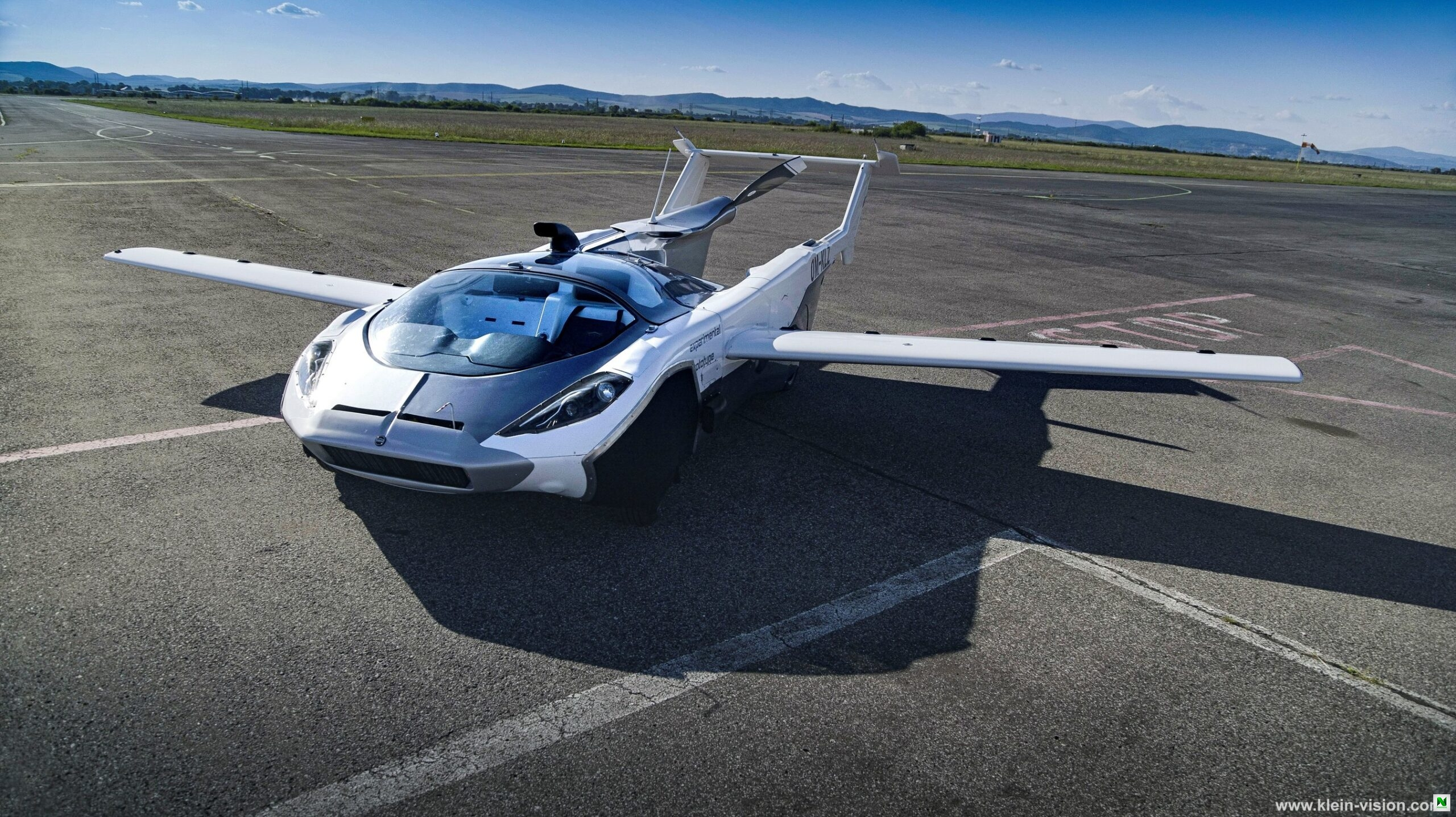 AirCar That Transforms From Road Vehicle To Plane Will Go On Sale Next Year (Pix)