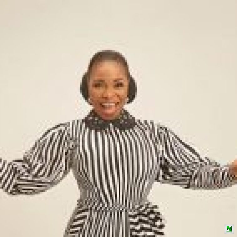 Tope Alabi – I Am Very Happy