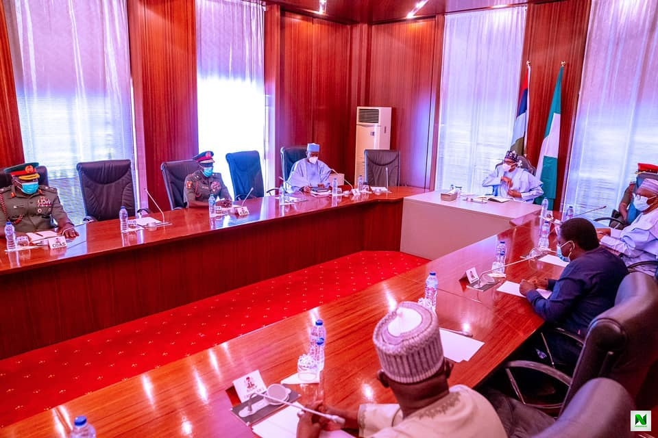 President Buhari Meets New Service Chiefs For The First Time