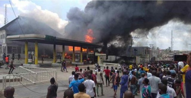 Fire Outbreak Reported At NNPC Filling Station In Lagos