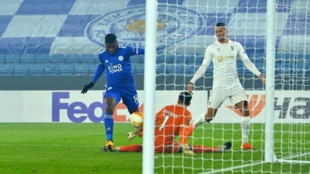 Kelechi Iheanacho scored twice as Leicester thrashed Braga to make it three wins from three in this season's Europa League.