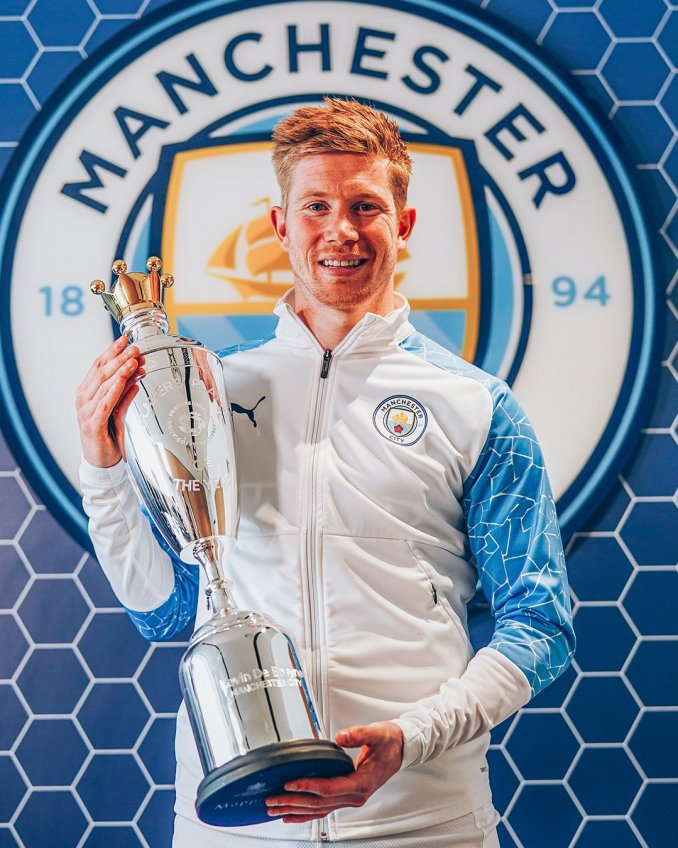 Kevin De Bruyne wins the PFA player of the year for the second time in two years