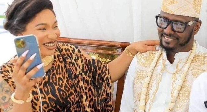 Celebrity News: Tonto Dikeh's new lover Prince Kpokpogri caught dishonest on her, she reacts