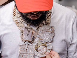 Celebrity News: Davido includes in a $150 million Luxuries scandal over his new frog voice jewellery