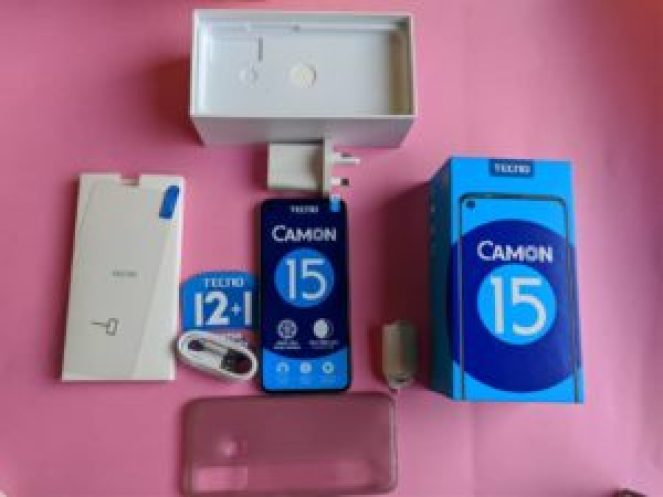 TECNO Camon 15 box
