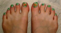 hawaiian flower nails | Nail Art Lab