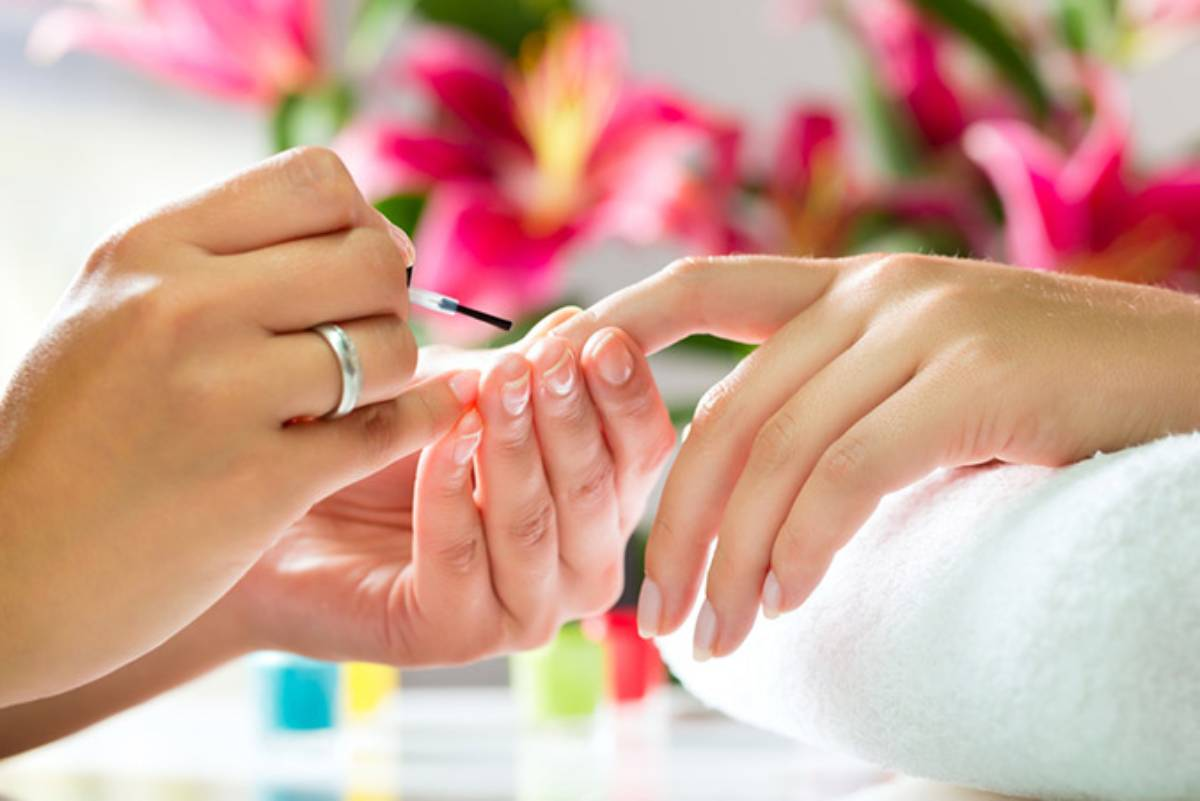 Features of Acrylic Nails