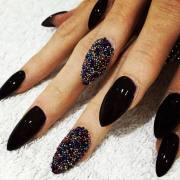 boldest black nail design