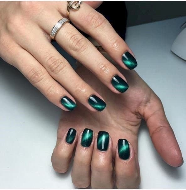 25 Fun & Flattering Green Nail Design Ideas