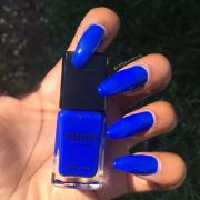 ravishing royal blue nails