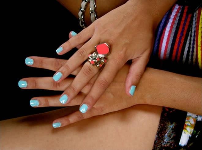 Enchanting Nail Colors For Dark Skin Embellishment - Nail Paint ...