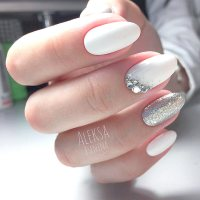 Awesome White Acrylic Nails