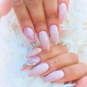 sweet blush nails catch attention