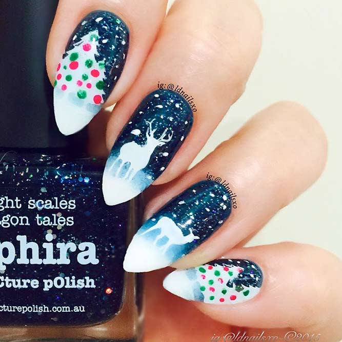 Nail Designs with a Christmas Symbol