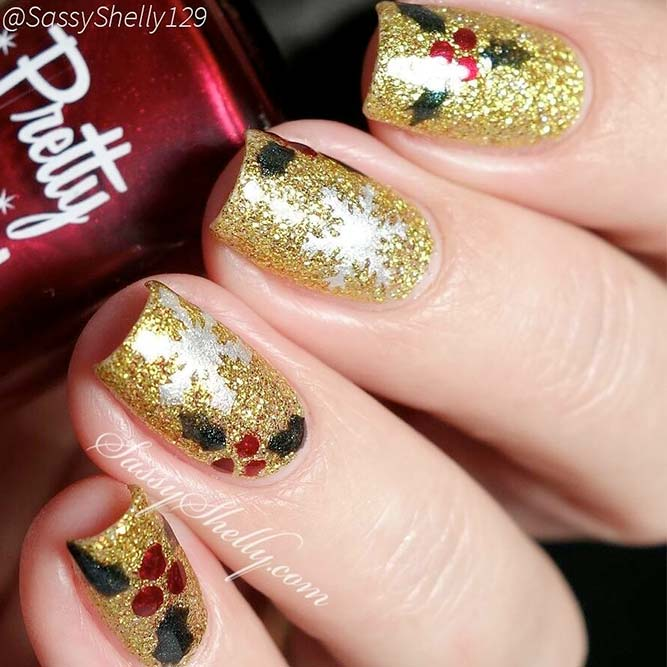 Christmas Nails with Holly Berries