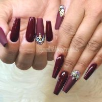 Maroon Nails Will Make A Queen Out Of You ...