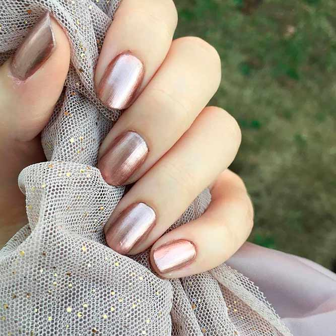 Metallic Rose Gold Nails Designs picture 2
