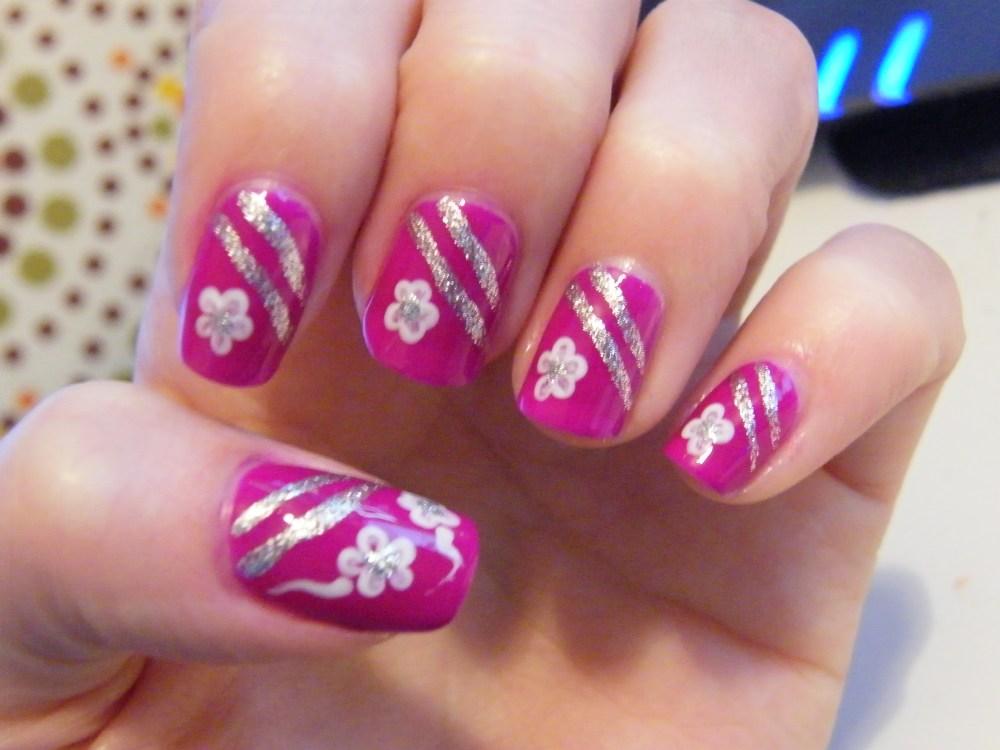 Mrs. Robinson Manicure (1/5)