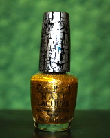Gold shatter gives a luxurious effect to my nails.