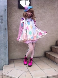 KPP lookin good in Fairy Kei <3