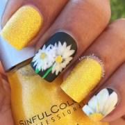 daisy manicure nail art tonya