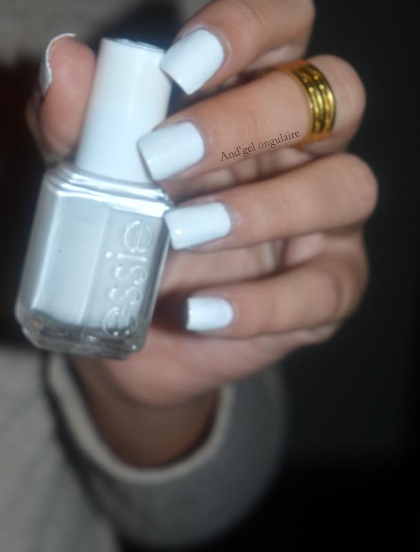 Essie Blanc : essie, blanc, Essie, Blanc, Swatch, And'gel, Ongulaire, Nailpolis:, Museum